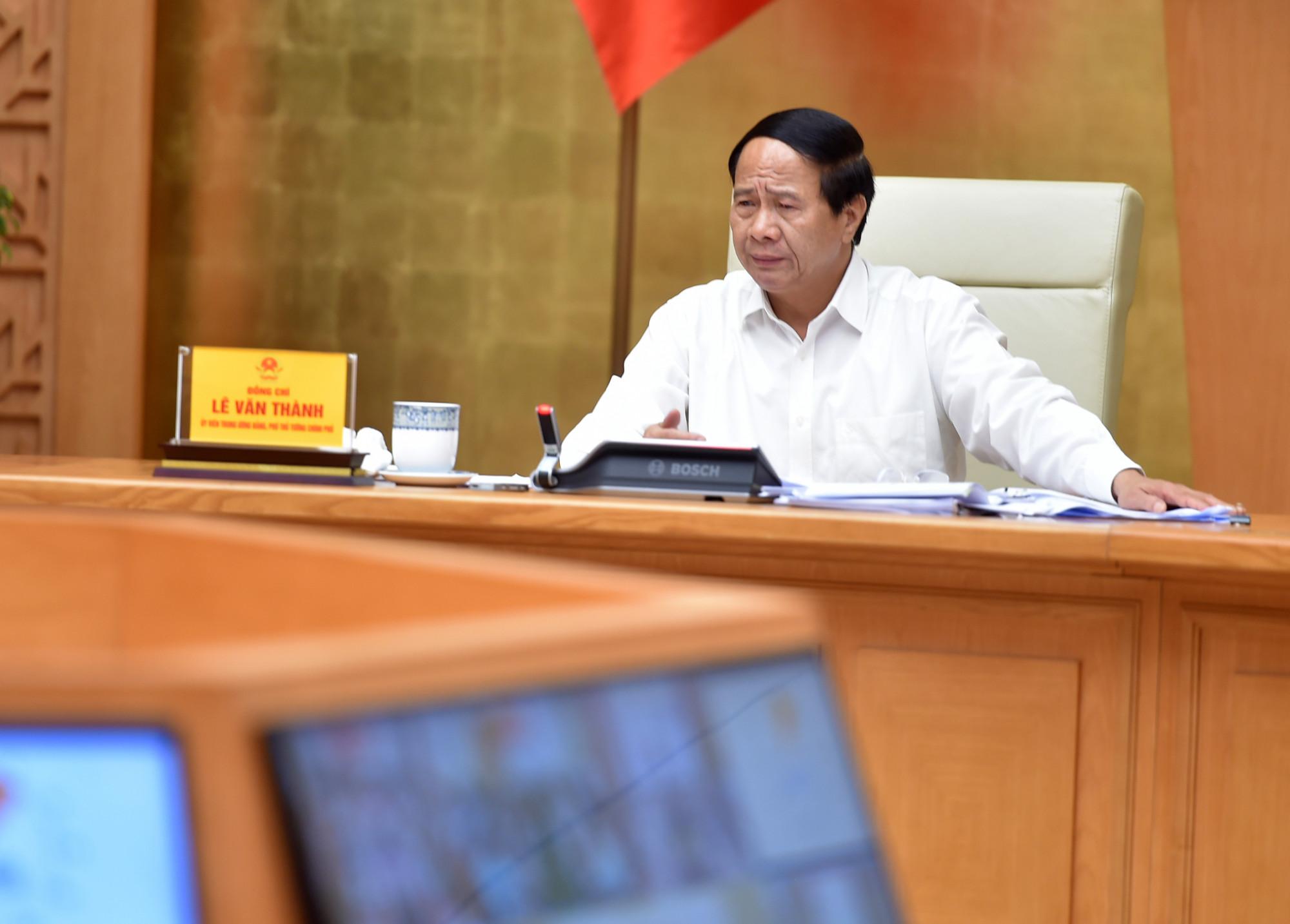 Phó Thủ tướng Lê Văn Thành chủ trì hội nghị trực tuyến. Ảnh: VGP