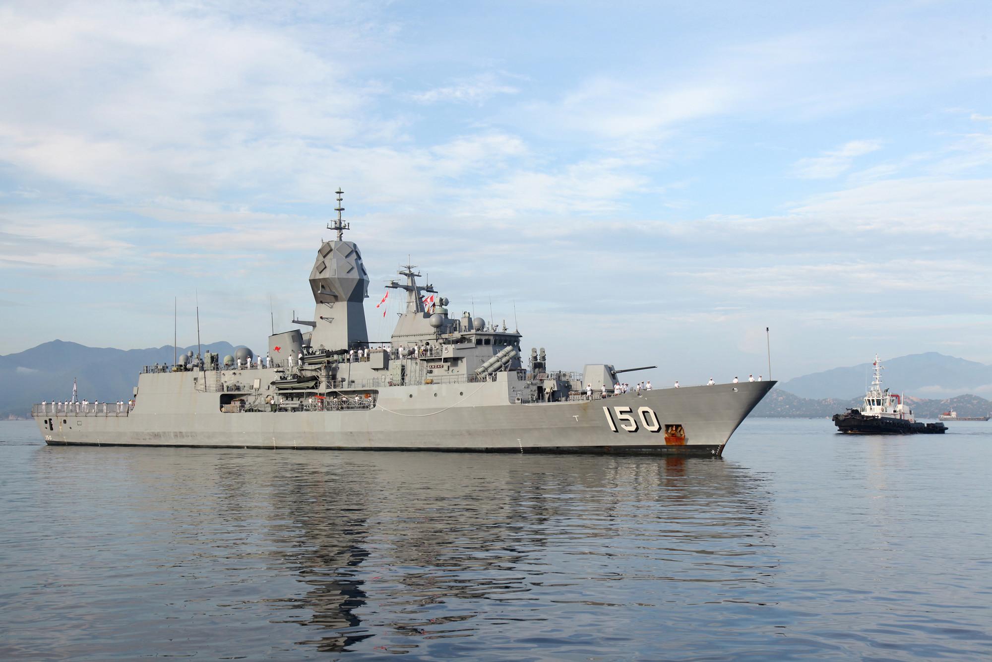 Một trong bốn tàu thuộc IPE21 ngoài khơi Khánh Hòa