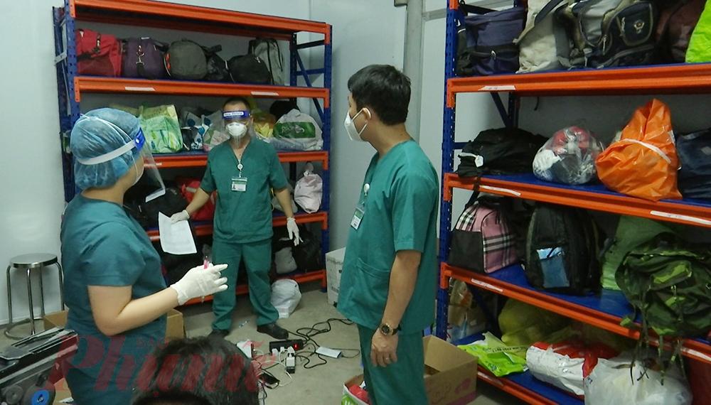 Ngoài việc chăm sóc, điều trị cho hàng trăm bệnh nhân COVID-19 nặng, Bệnh viện Dã chiến số 16 (do Bệnh viện Bạch Mai phụ trách) luôn cố gắng thông tin về tình hình sức khỏe của người bệnh, giữ mối liên hệ với thân nhân bệnh nhân. Có những F0 may mắn hết bệnh về nhà, nhưng cũng có  các F0 chỉ để lại... kỷ vật