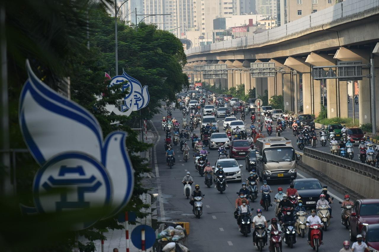 Bắt đầu từ 6 giờ sáng nay (21/9), Hà Nội chính thức áp dụng theo Chỉ thị 15 của Thủ tướng Chính phủ về công tác phòng chống dịch COVID-19.