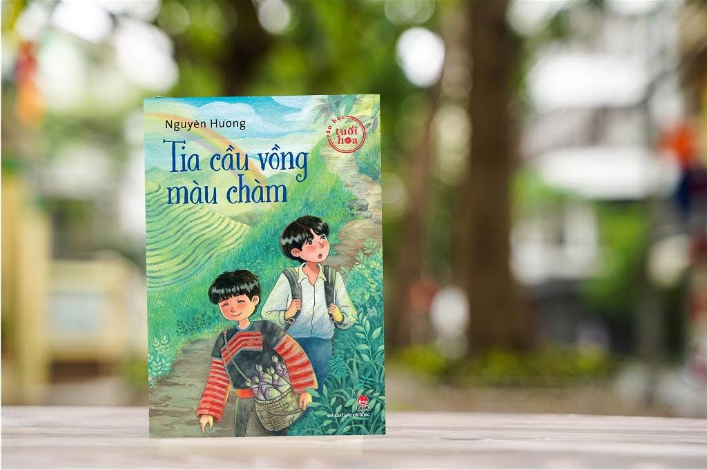 Tia cầu vồng màu chàm là tập truyện dài cho thiếu nhi mới nhất của nhà văn Nguyên Hương