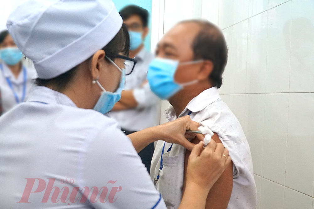 Sở Thông và Truyền thông đề xuất kế hoạch triển khai Tổng đài tiếp nhận đăng ký tiêm vắc xin.