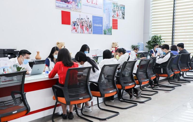 UEF còn nhận hồ sơ xét tuyển học bạ đến 30/9 - Ảnh: UEF (*)