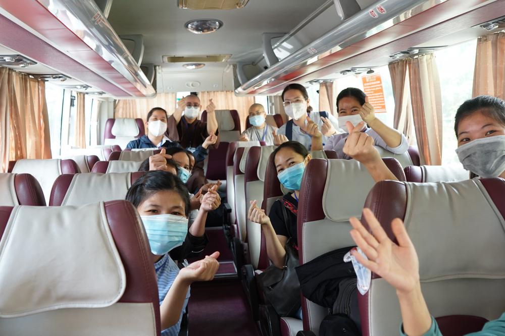 19 tu sĩ tiếp tục hỗ trợ tại Bệnh viện điều trị COVID-19 Trưng Vương và Bệnh viện Nhân dân Gia Định. Ảnh: Hoàng Anh.