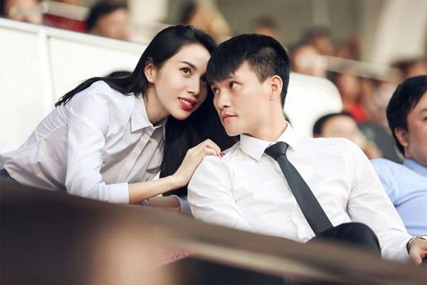 Vợ chồng Thuỷ Tiên - Công Vinh đã gửi đơn tố cáo bà Nguyễn Phương Hằng đến Công an về hành vi vu khống, bịa đặt, đưa thông tin nhằm xúc phạm...