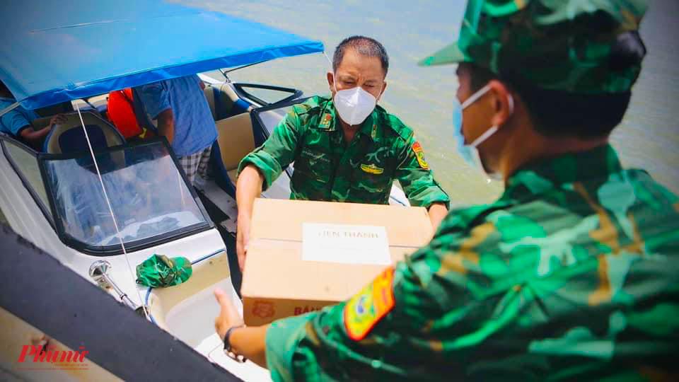 20 phần quà đã được trao đến những hộ khó khăn trong ngày 22/9