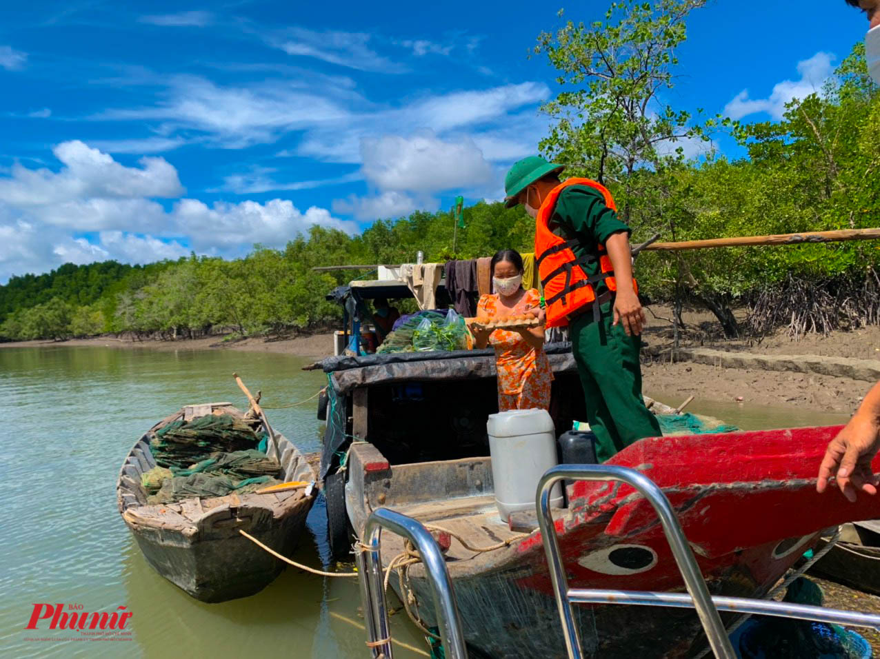 Các ngư dân phần lớn là hộ nghèo, khó khăn