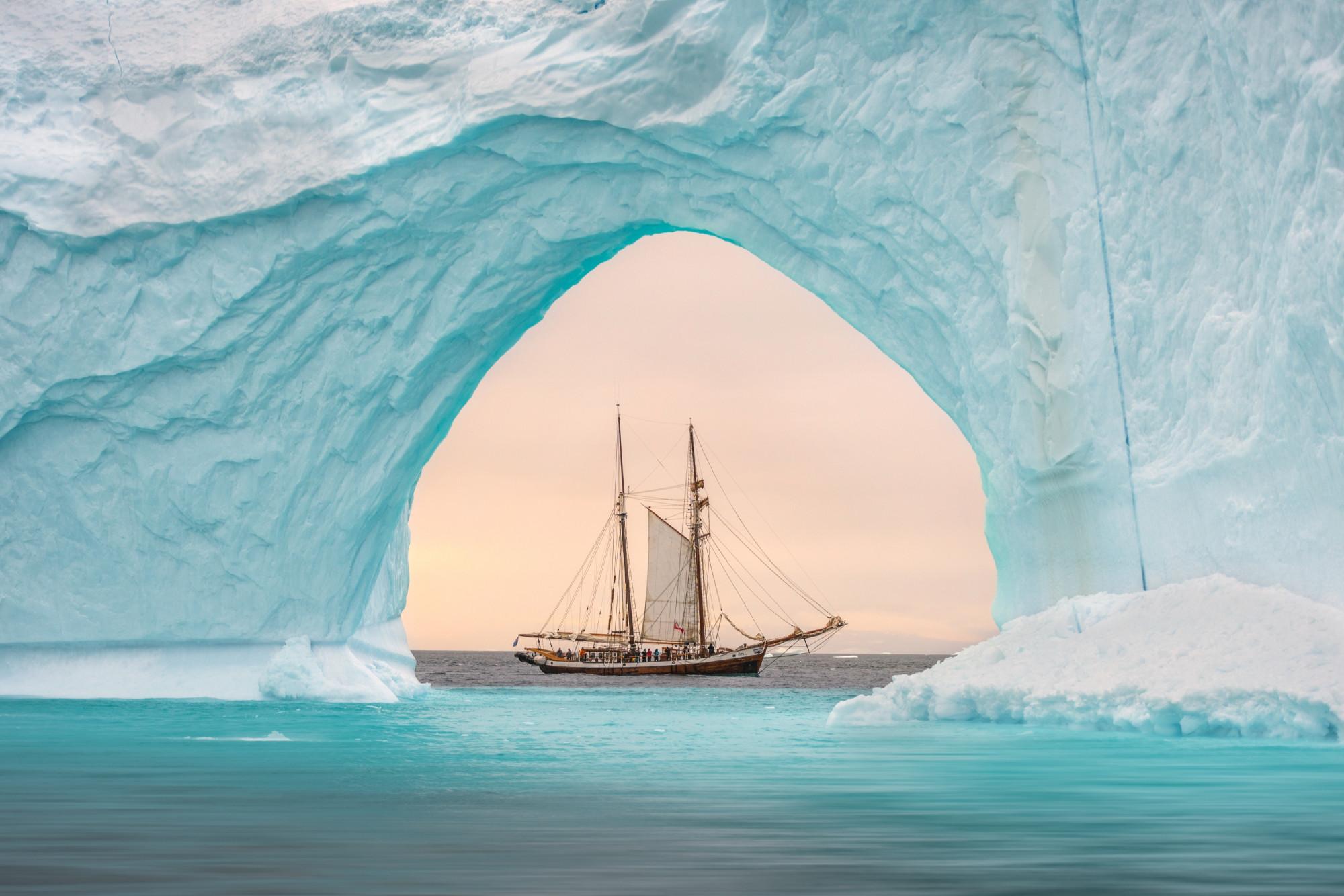 Nhiếp ảnh gia James Rushforth và bức ảnh thắng giải bạc thể loại báo chí - du lịch.