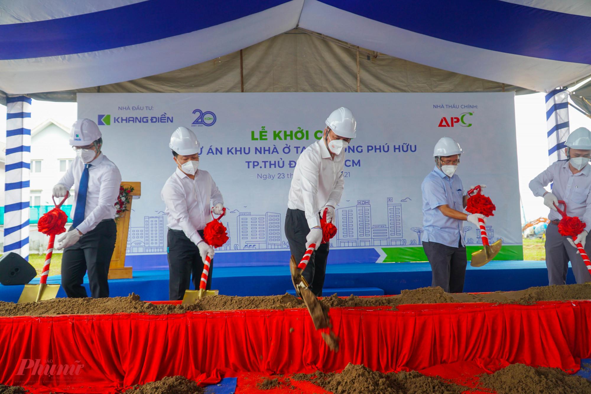Ông Lê Hòa Bình - PCT UBND TPHCM