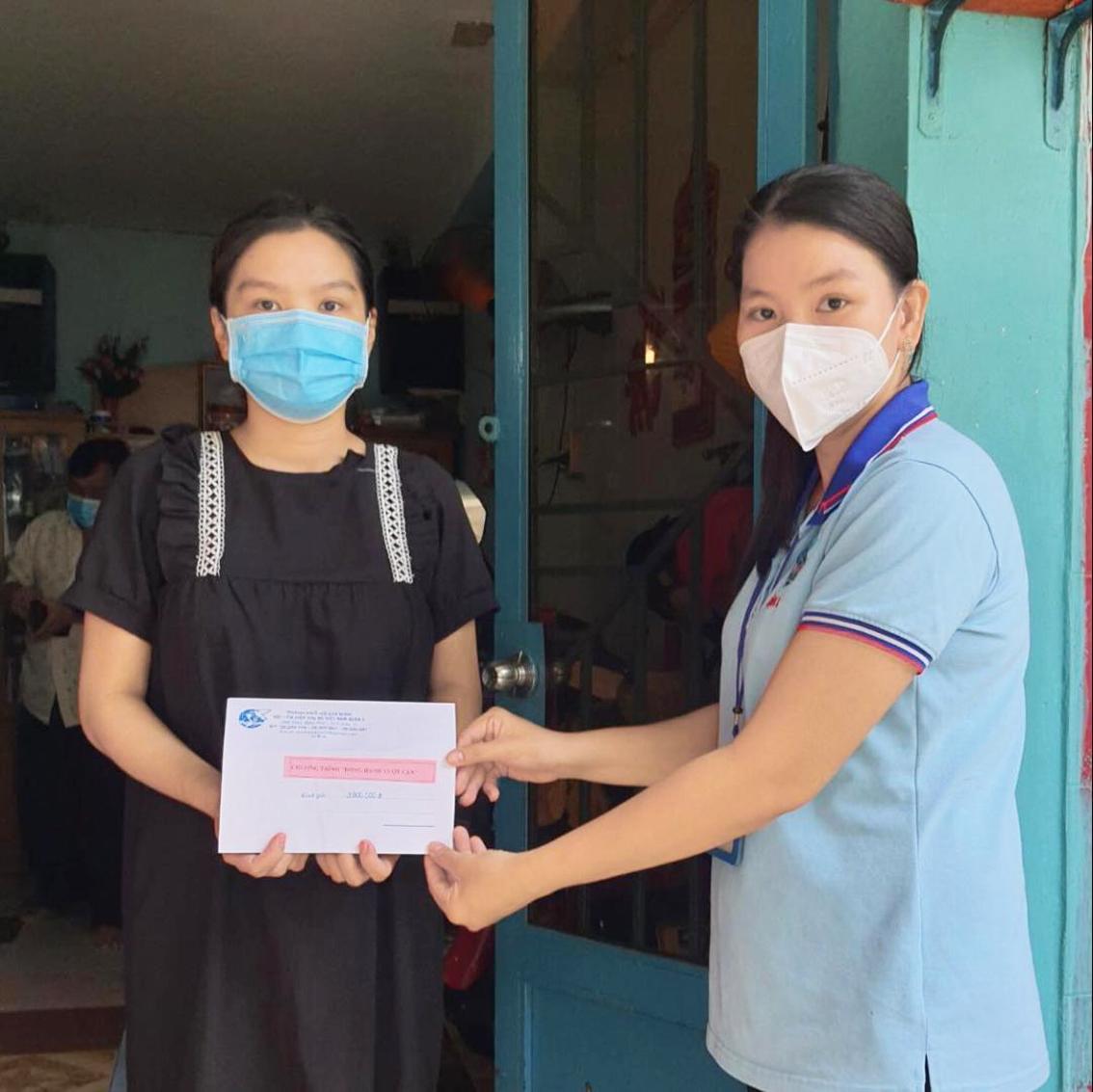 Hội LHPN Q.3 đến thăm và hỗ trợ phụ nữ mang thai
