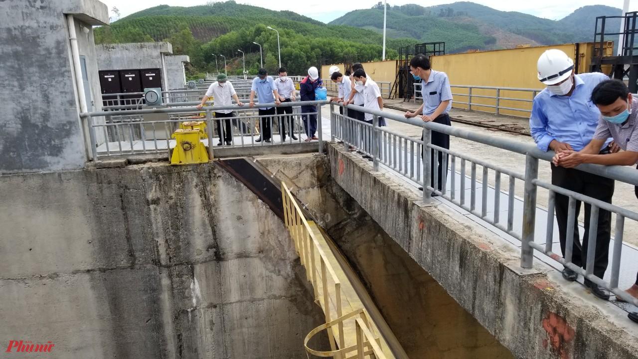 Lãnh đạo tỉnh Thừa Thiên - Huế đi kiểm tra hồ thủy điện Hương Điền