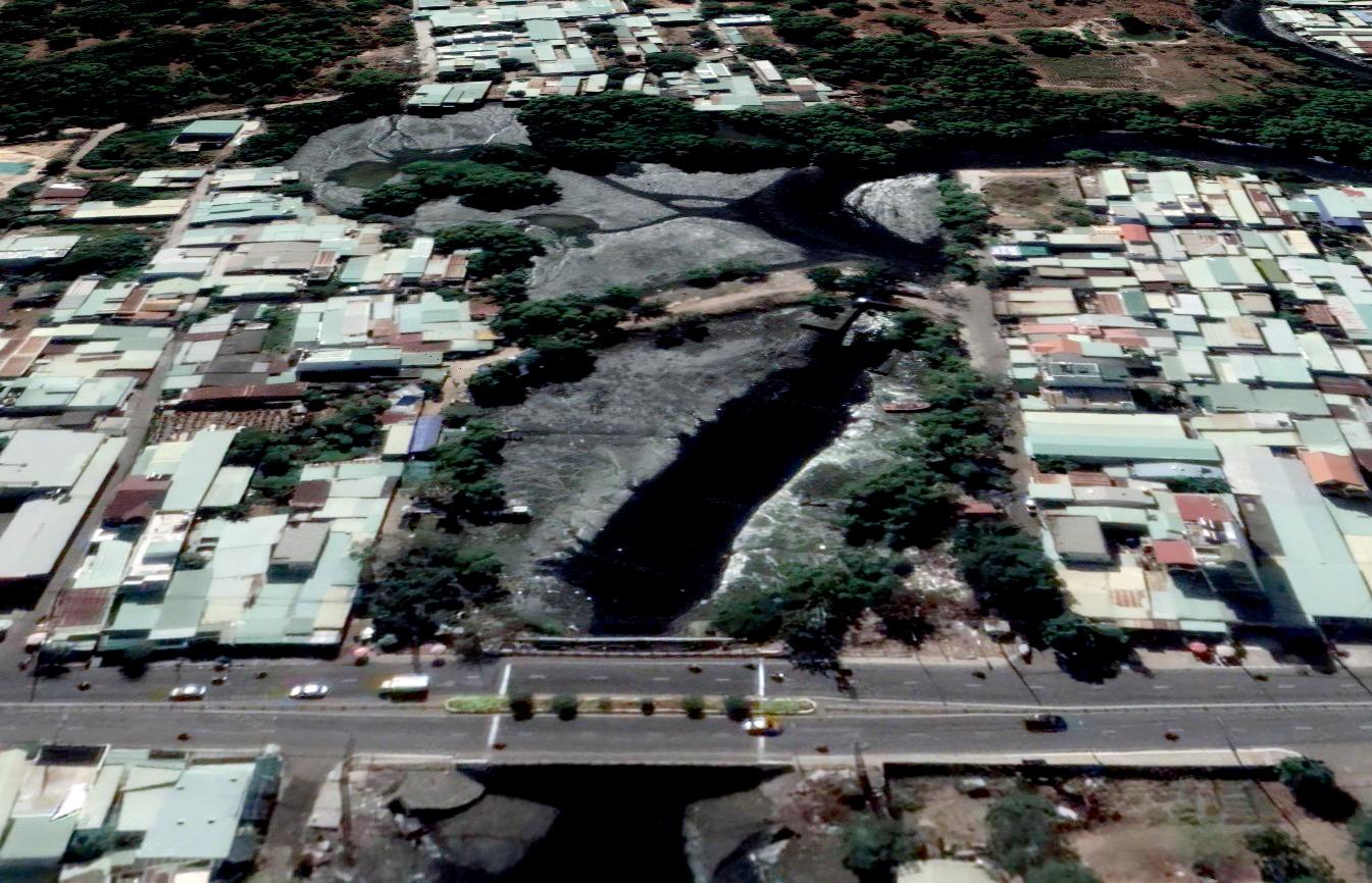 Hồ Rạch Bà đoạn giáp mặt đường 40 Tháng 4, TP Vũng Tàu. Ảnh: Google