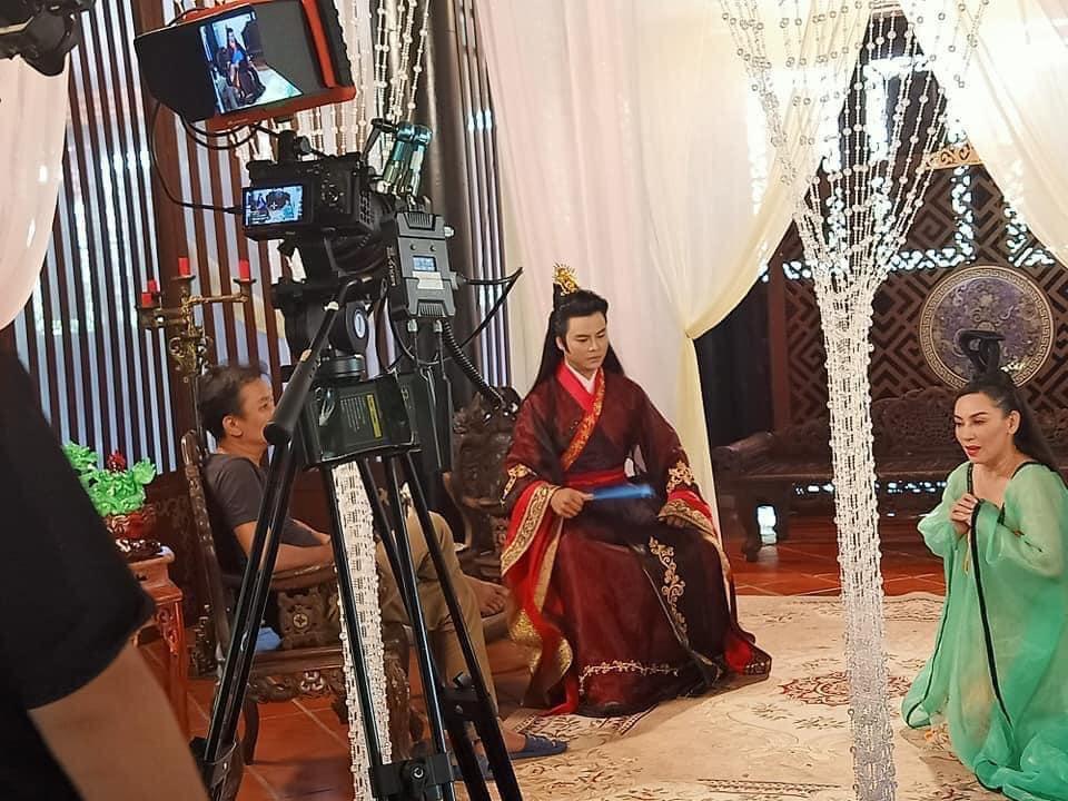 CS Phi Nhung và NS Võ Minh Lâm trong một phân cảnh