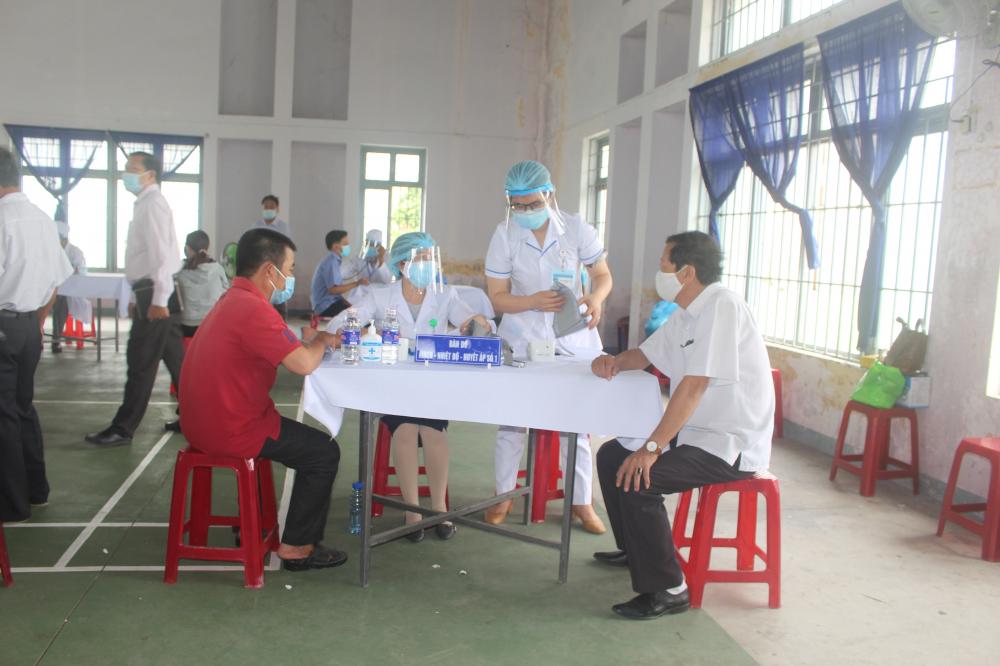 Tỉnh Bình Định tiêm vắc xin 100% cho tài xế trên địa bàn