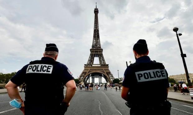 Hung thủ đằng sau vụ giết người và hiếp dâm hàng loạt nổi tiếng tại Paris là cựu cảnh sát François Vérove từng làm cảnh sát và hiến binh ở Paris.