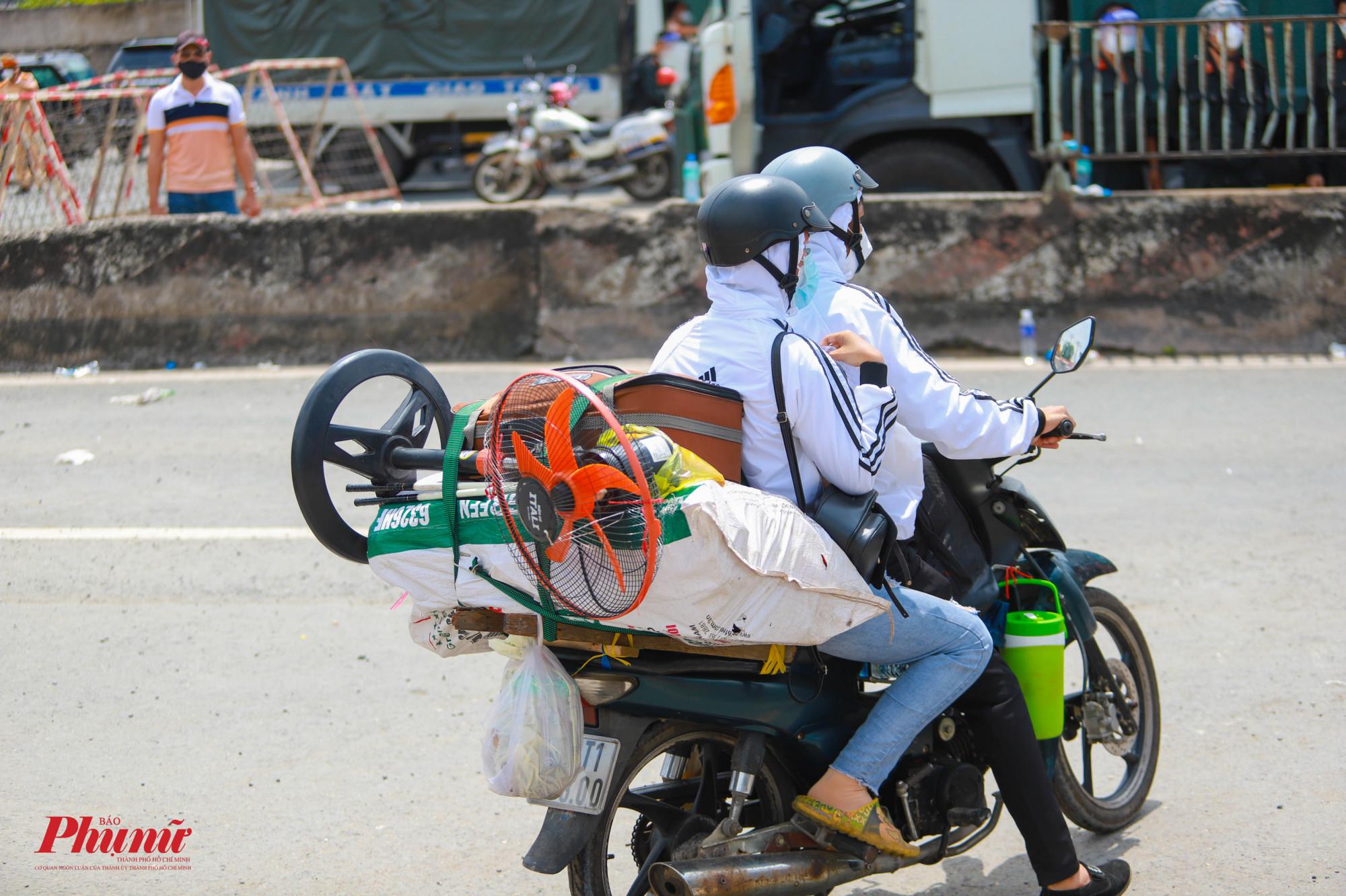Cuộc sống quá khó khăn, khiến người dân sợ... Sài Gòn