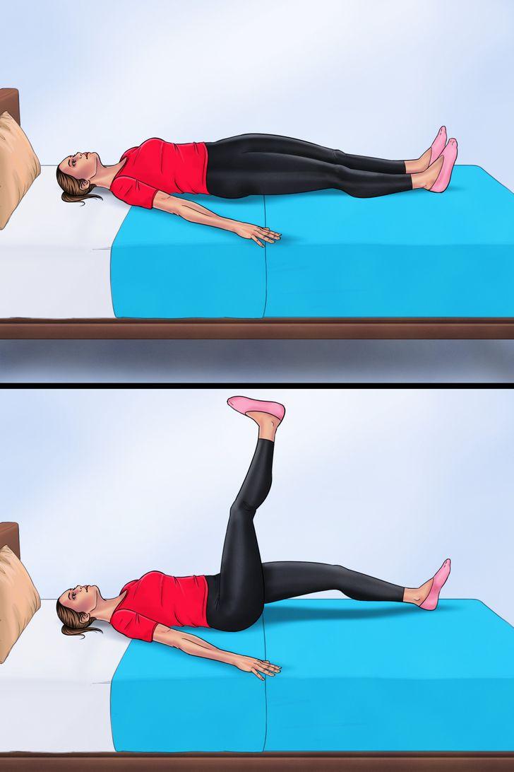 7. Nằm vặn cột sống Nằm ngửa, duỗi thẳng chân.  Dang rộng cánh tay của bạn và giữ chúng ép vào giường cho ổn định.  Nâng cao một chân của bạn về phía trần nhà và hơi nghiêng nửa phần cơ thể còn lại xuống giường.  Giữ nguyên tư thế, nâng chân trở lại trung tâm và hạ chân xuống. Lặp lại tương tự với bên còn lại.