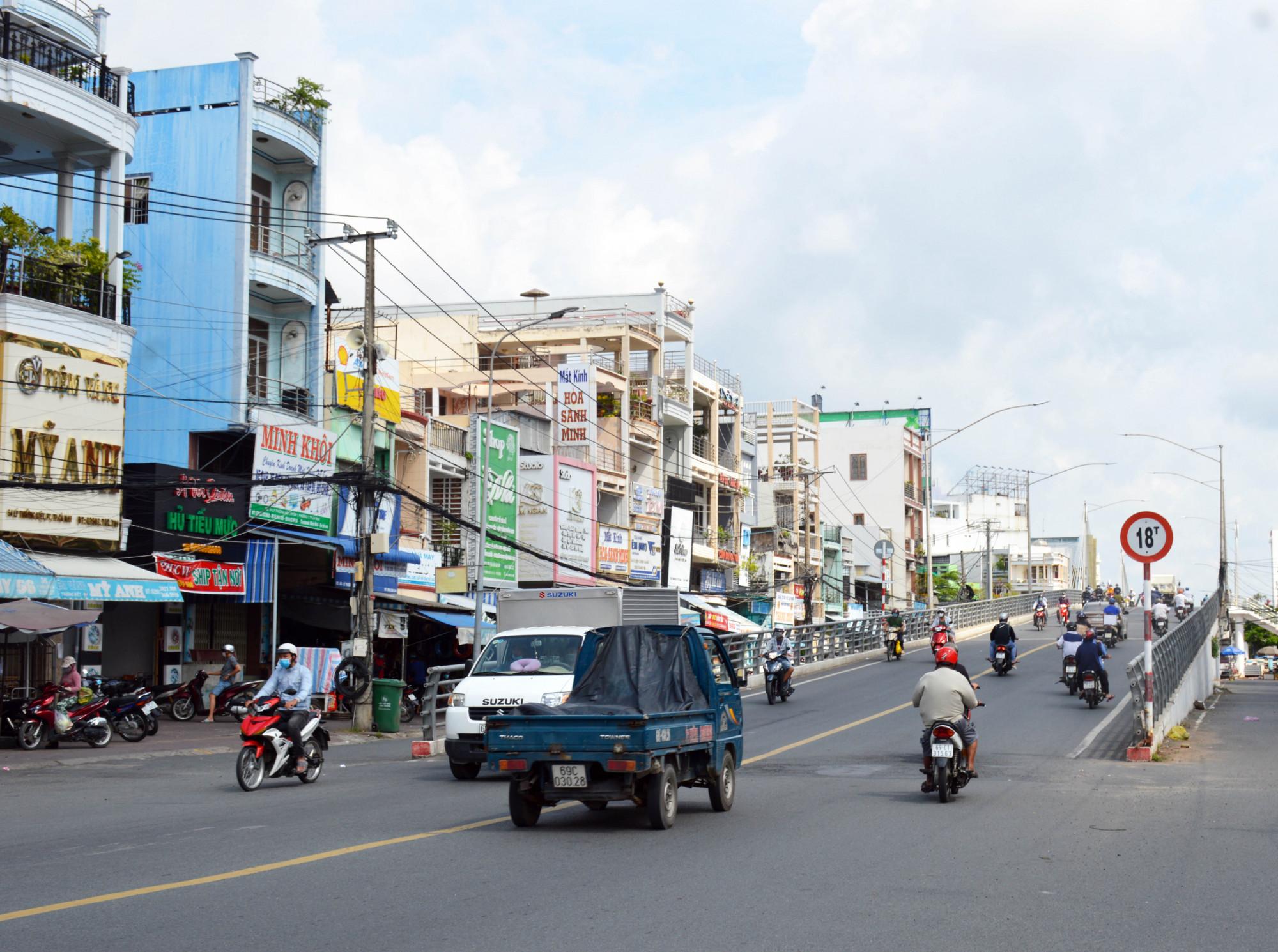 Từ ngày 4/10, người dân Cà Mau được đi lại nội tỉnh.