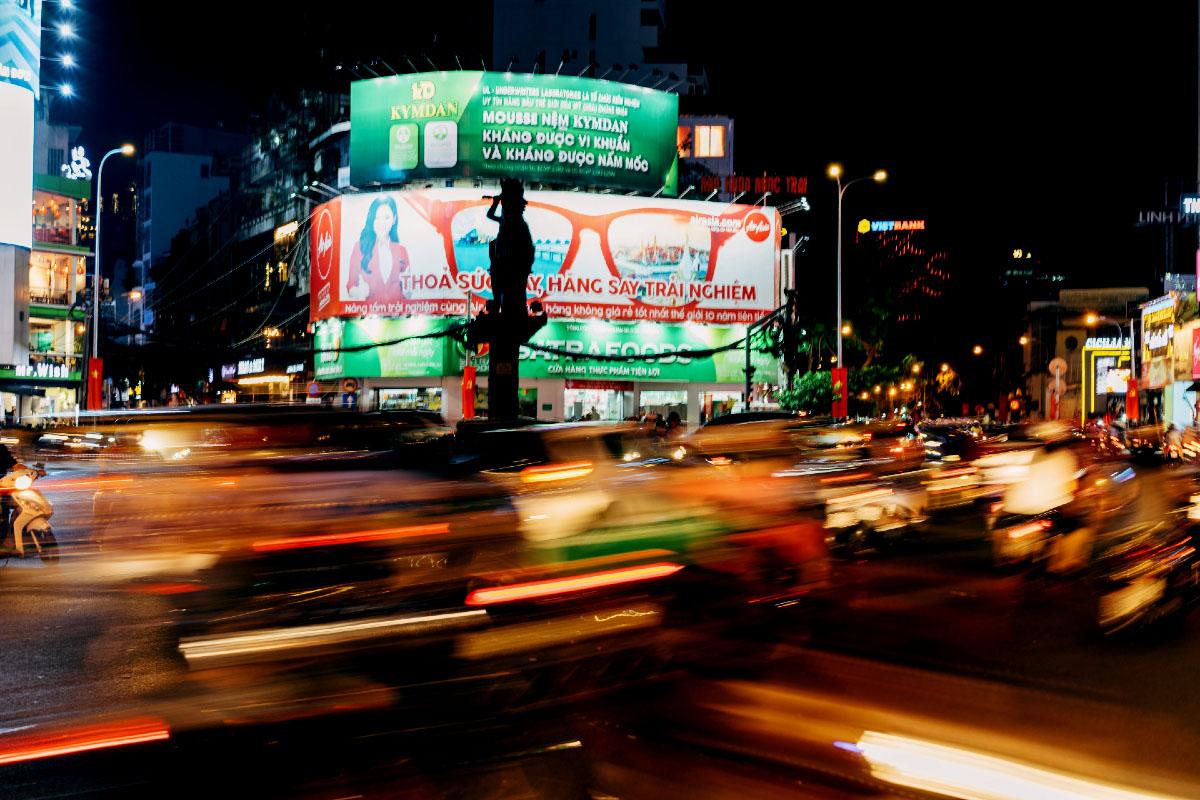 Nhịp sống sôi động ở Sài Gòn là thứ mê hoặc tôi - Ảnh: Unsplash
