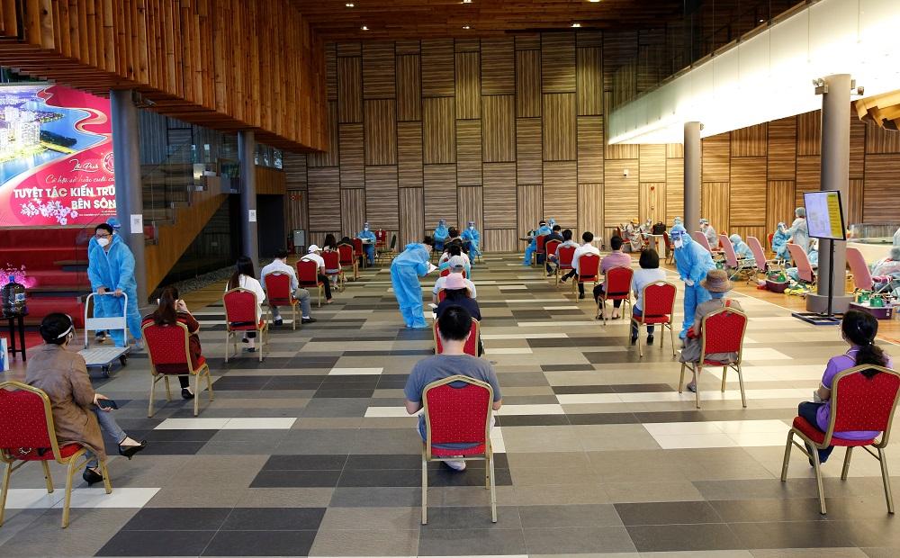 Trong 2 ngày diễn ra chương trình, có khoảng 600 người đăng ký tham gia hiến máu - Ảnh: PMH