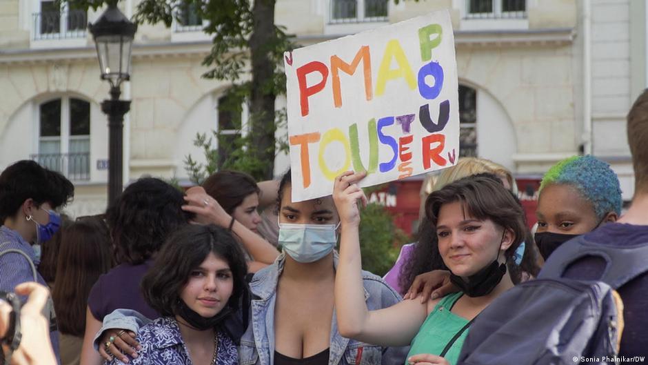 Pháp đã hợp pháp hóa việc điều trị sinh sản cho phụ nữ độc thân và người đồng tính