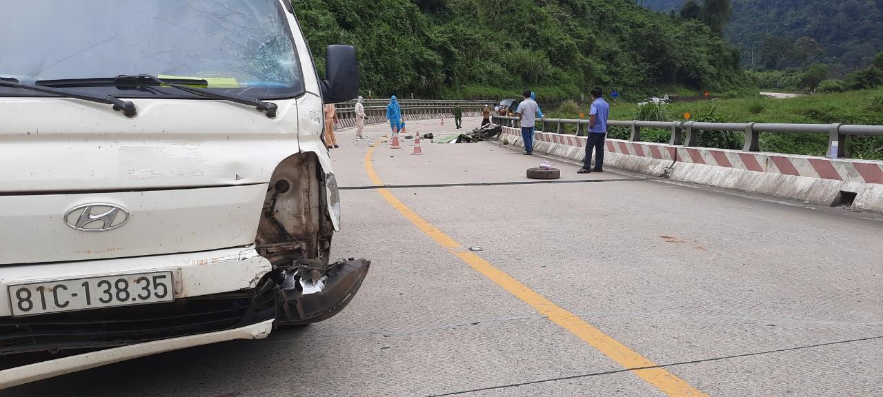 Hiện trường vụ tai nạn thương tâm khiến hai mẹ con tử vong khi đang trên đường về quê tránh dịch