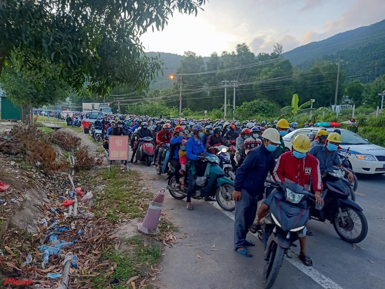 Lực lượng CSGT sẽ theo dẫn đường đoàn xe  bắt đầu từ thị trấn Lăng Cô đến  địa phận huyện Hải Lăng (Quảng Trị)