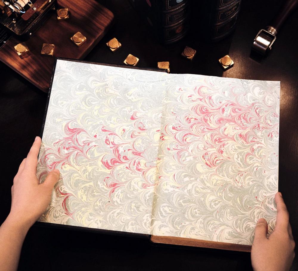 Một số mẫu hoa văn tờ gác sách được thực hiện bằng kỹ thuật thủy ấn họa