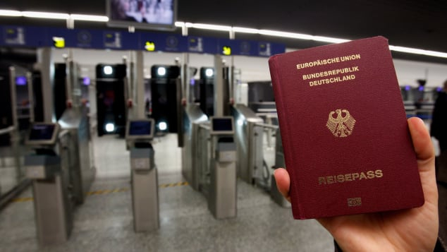 Đức có hộ chiếu quyền lực nhất châu Âu - Ảnh: CNN/Getty Images