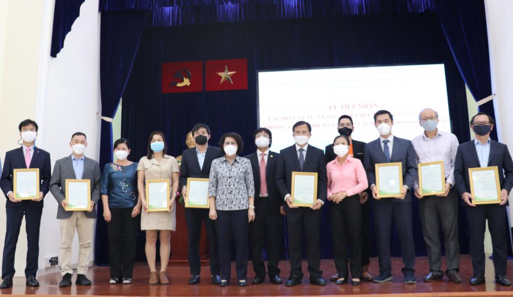 Lãnh đạo Ủy ban MTTQ Việt Nam TPHCM trân trọng cám ơn sự đóng góp của các tổ chức, doanh nghiệp cho công tác phòng, chống dịch của TP.