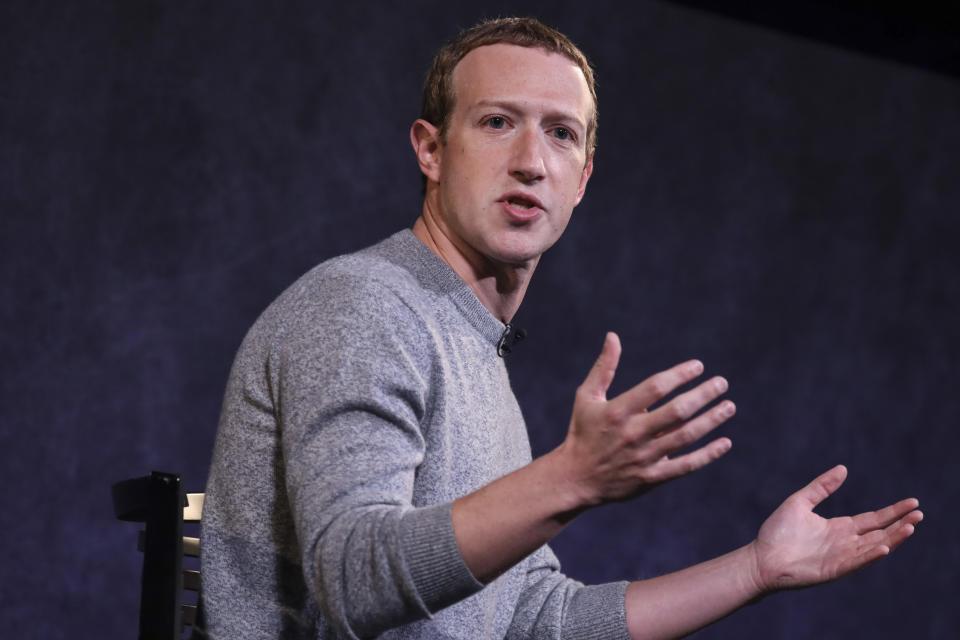 Mark Zuckerberg phủ nhận các cáo buộc cho rằng Facebook