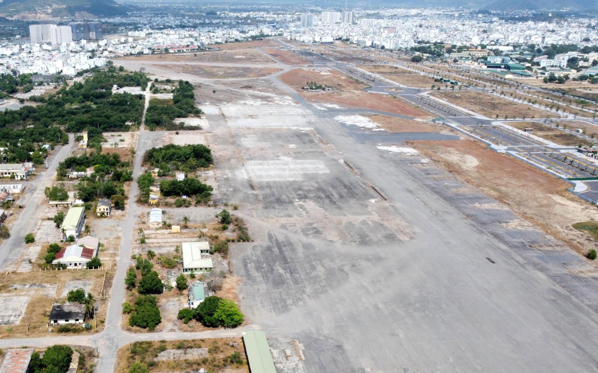 Tỉnh Khánh Hòa đang rà soát pháp lý các dự án BT sử dụng đất sân bay Nha Trang cũ. Ảnh: M.Đ