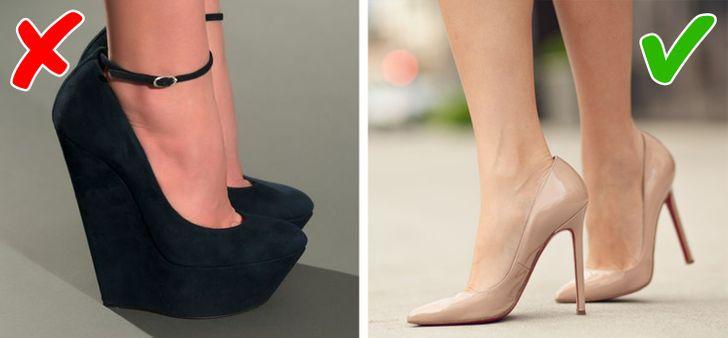 """11. Giày cao gót Người ta thường lầm tưởng rằng giày đế cao và dày sẽ trông thanh lịch và phong cách. Tuy nhiên, tốt hơn hết bạn nên ưu tiên các loại giày khác, chẳng hạn như loại có đế thấp hoặc không có đế. Vì những đôi giày có đế cao và dày có xu hướng khiến tổng thể cơ thể trông mất cân đối và khiến bàn chân bạn trở nên thô kệch vì trông giống như """"móng guốc"""" hơn.   Cũng cần lưu ý rằng giày cao gót luôn hợp thời trang - chúng trông thanh lịch, đẹp mắt và duyên dáng. Chúng có thể tôn lên mọi diện mạo và khiến bạn trở thành trung tâm của sự chú ý của mọi người."""