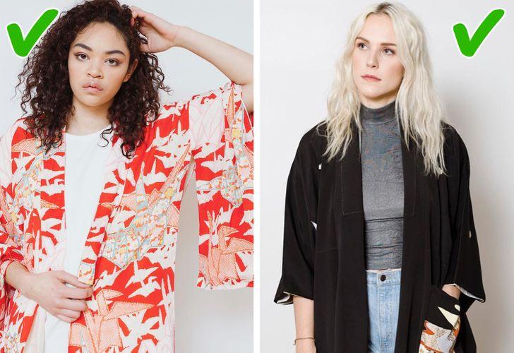 5. Kimono Các kiểu áo khoác kimono vẫn được ưa chuộng với nhiều bản in sáng màu và chất liệu vải. Những chiếc áo này không chỉ có thể được sử dụng trong mùa hè mà thậm chí nó còn có thể tạo cảm giác tươi mới và giúp cho vẻ ngoài trở nên chỉn chu hơn. Các chuyên gia tại Vogue chắc chắn rằng bạn có thể làm cho vẻ ngoài của mình trở nên sành điệu bằng cách khoác thêm chiếc áo kimono thay vì mặc váy hoặc bạn có thể kết hợp với quần jean và áo sơ mi cơ bản. Nhưng hãy chú ý khi phối với những chiếc áo kimono nhiều hoa văn và màu sắc, bởi nó sẽ dễ khiến bạn trở thành nơi treo quần áo hơn là một tín đồ thời trang đấy.