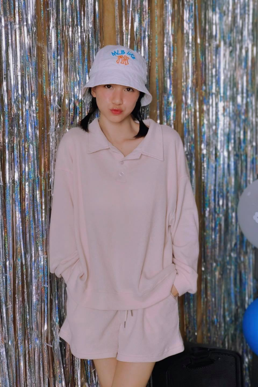 Hoà Minzy tiết lộ bộ đồ như hình chỉ có giá 175.000 đồng.