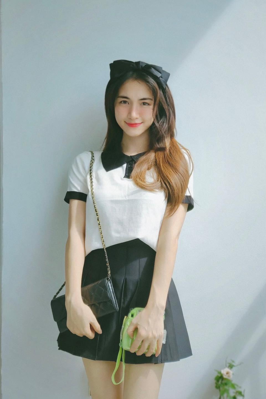 Ca sĩ Hoà Minzy