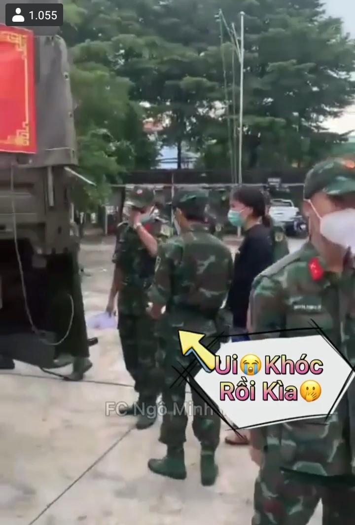 Bộ đội rơi nước mắt khi chia tay Sài Gòn (FB FC Ngô Minh Thư)