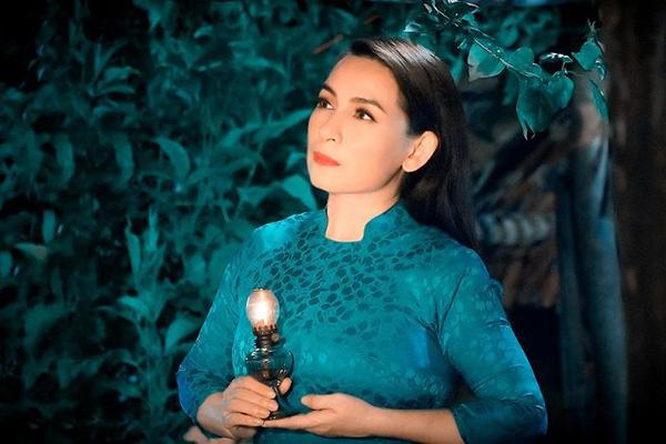 Ca sĩ Phi Nhung qua đời trong sự tiếc thương của đồng nghiệp, khán giả.