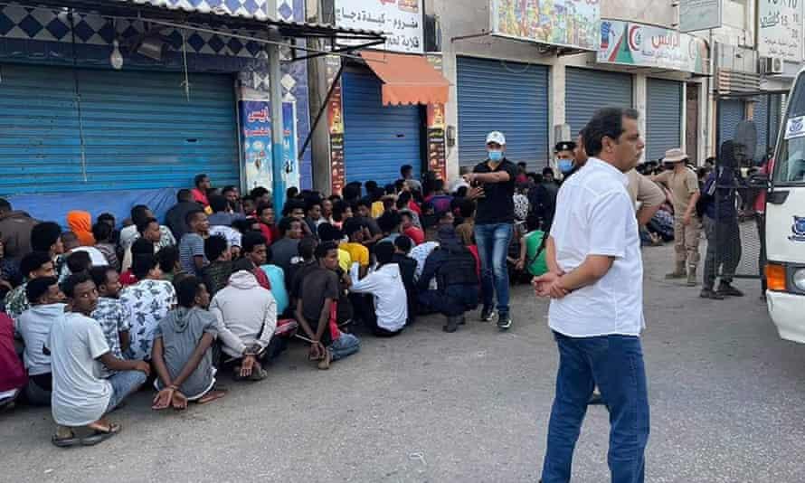 Lực lượng an ninh Libya vây bắt người di cư ở Gargaresh, phía tây Tripoli, trong cuộc đàn áp mới nhất ở nước này