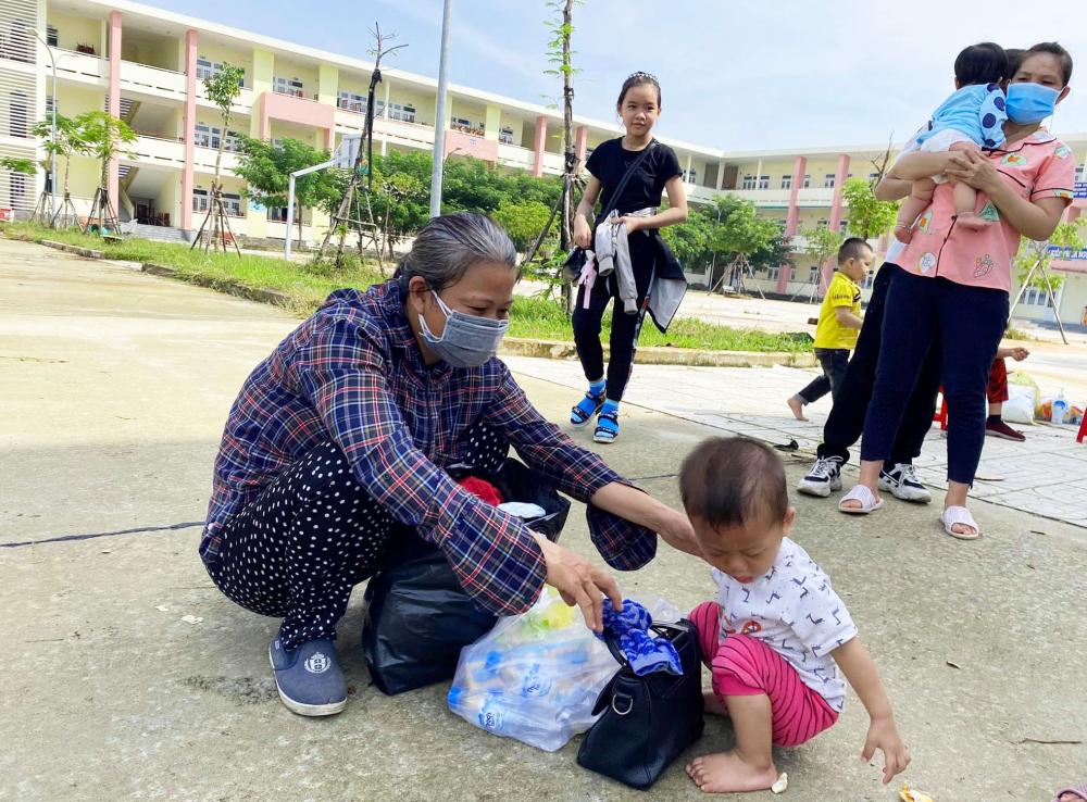 Trẻ sơ sinh, trẻ em, người già kiệt sức được kịp thời hỗ trợ