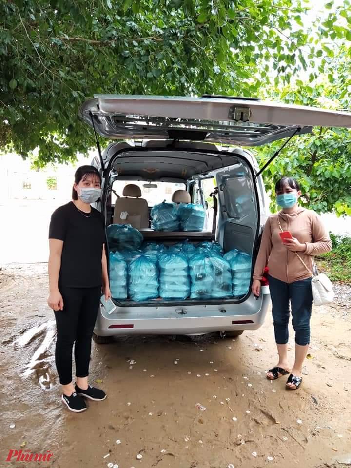 Hiện tại Đến hiện tại, nhóm đã cùng nhau nấu hàng nghìn suất cơm phát cho bà con. Trung bình, mỗi ngày nấu hơn 250 suất.