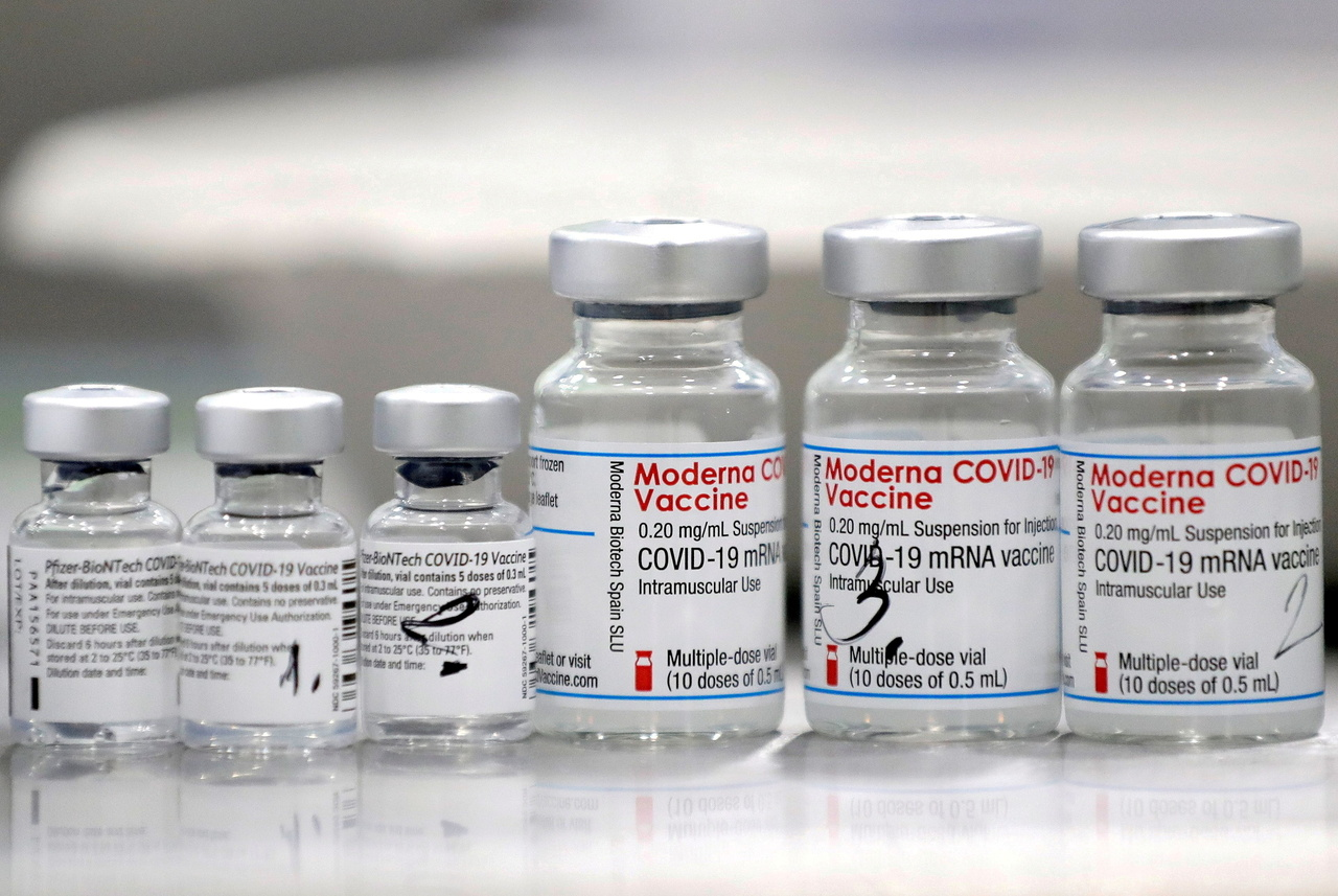 Moderna hứng chịu chỉ trích khi phần lớn liều lượng vắc xin chỉ cung cấp cho các quốc gia giàu có.