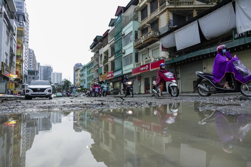 Dự án mở rộng đường Vũ Trọng Phụng, quận Thanh Xuân có tổng chiều dài hơn 400m, bề rộng 20m, điểm đầu của tuyến giao với đường Nguyễn Huy Tưởng, điểm cuối tuyến giao với đường Nguyễn Trãi.