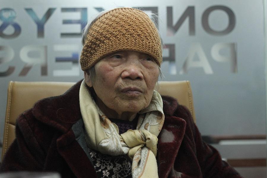 Cụ Nguyễn Thị May, 84 tuổi