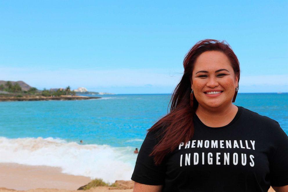 Dân biểu Stacelynn Eli. Hạ viện Hawaii đầu năm nay đã thông qua một nghị quyết, do Eli bảo trợ, thành lập một lực lượng đặc biệt của tiểu bang để thu thập dữ liệu về những phụ nữ và trẻ em gái người Hawaii bản địa bị mất tích và bị sát hại - Ảnh: AP