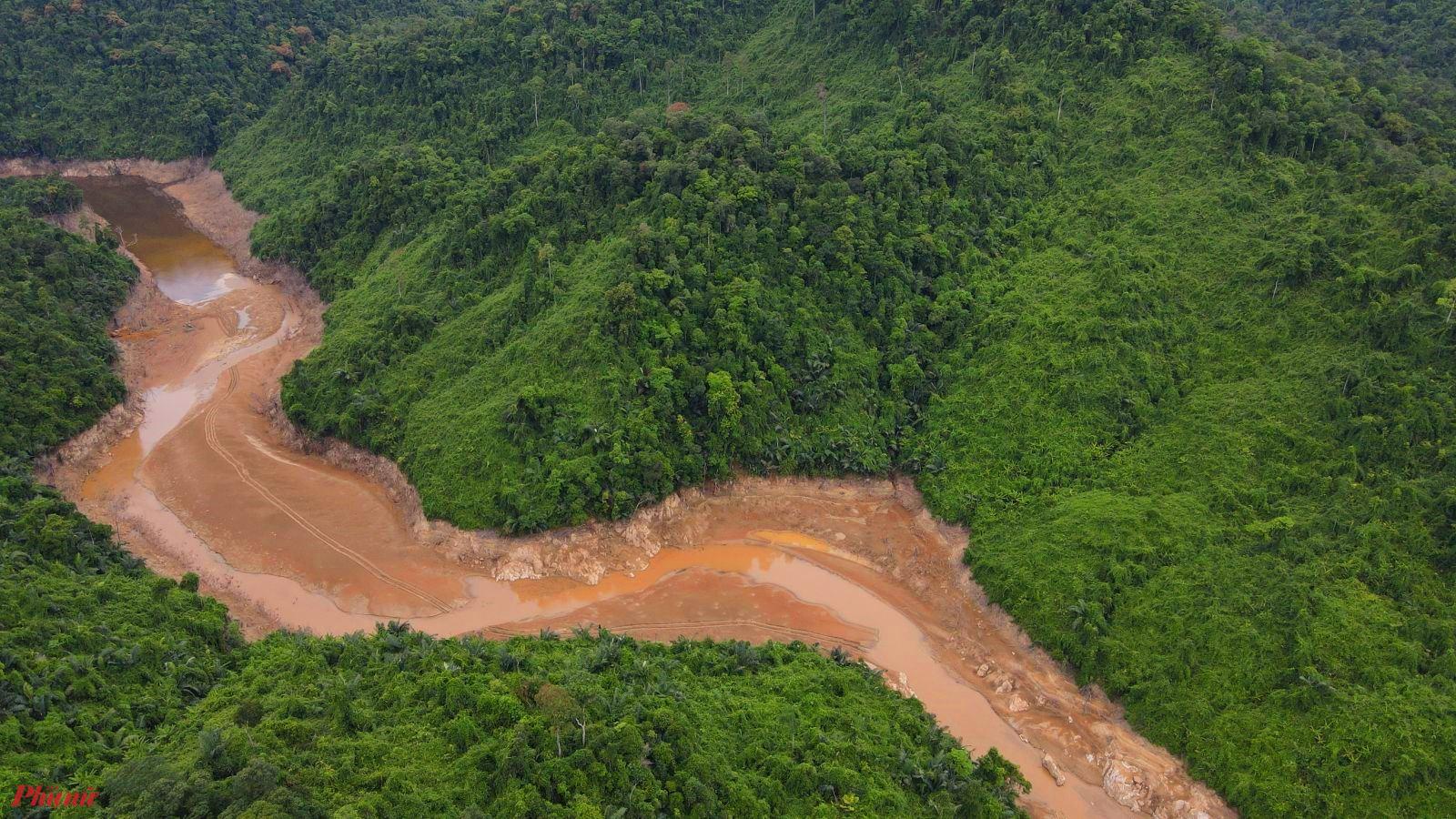 Khu vực thủy điện Rào Trăng nguy cơ sạt lở đất vẫn luôn tiềm ẩn bất cứ lúc nào