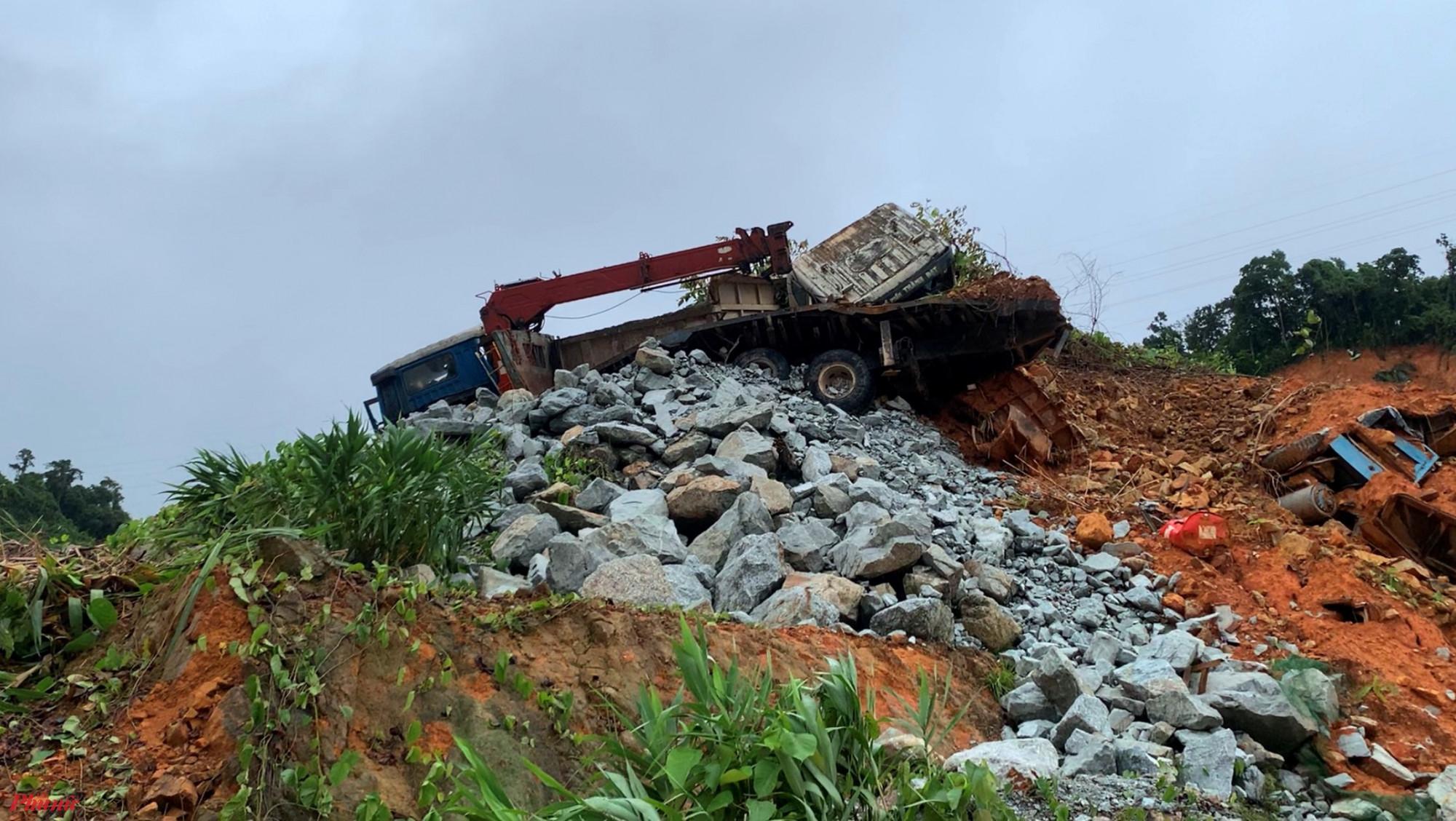 Sạt lở núi kinh hoàng ở thủy điện Rào Trăng 3 vào tháng 10/2020