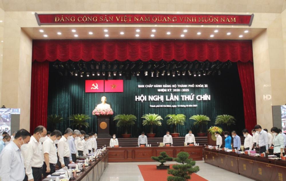 Các đại biểu dự Hội nghị tưởng niệm đồng bào đã mất trong dịch