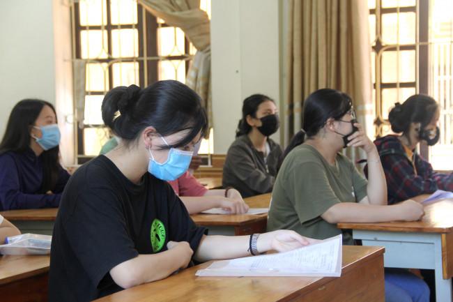 <p>Chiều 8/8, hơn 31.000 thí sinh Nghệ An đã đến 61 điểm thi để làm thủ tục kỳ thi tốt nghiệp THPT 2020.</p>