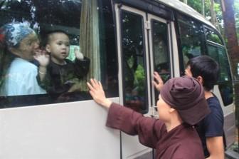 Thêm 8 trẻ tại chùa Bồ Đề được chuyển về các trung tâm